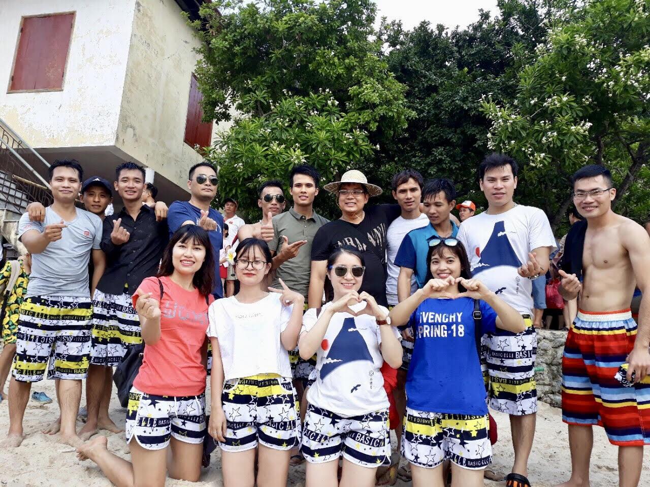 Du lịch 2018 - CBNV nghỉ mát tại hòn đảo xinh đẹp Cát Bà